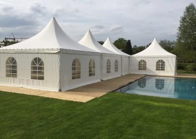 0103 VIP-tent 5x5 aan zwembad