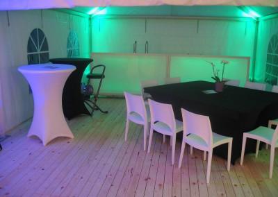 Feestmaterialen - 0605 LED-spot sfeerverlichting in combinatie met loungetoog