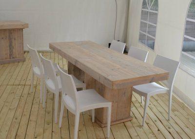 Steigerhouten tafel met loungestoelen 2