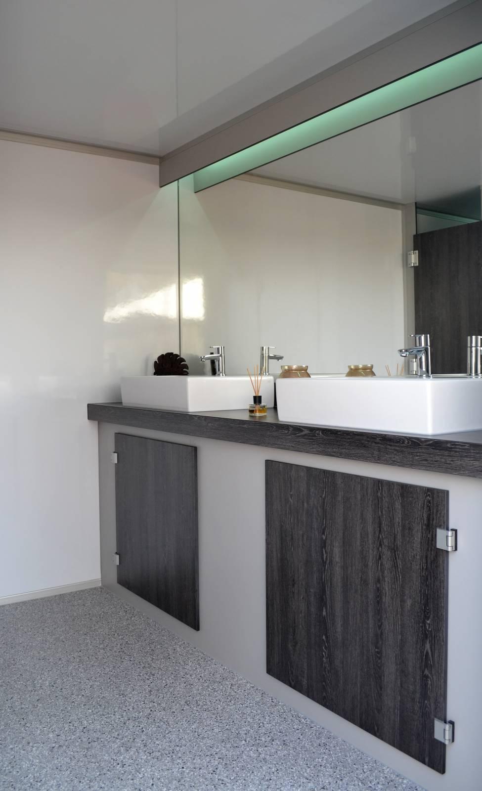 Toiletwagen DELUXE 006