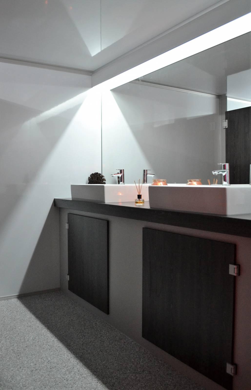 Toiletwagen DELUXE 011